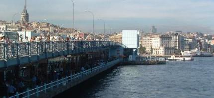 Puente-sobre-el-Cuerno-de-Oro