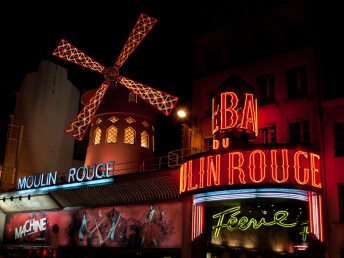 night-in-paris-moulin-rouge-200cab20bda77bc807b8d3207f0a6429