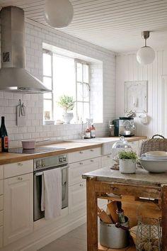 Cocina blanca isla madera