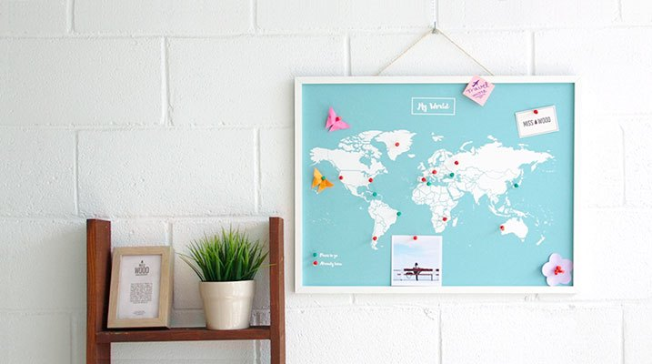 woody_map_xl_azul_blanco_mundi_marco_blanco_ver_mas