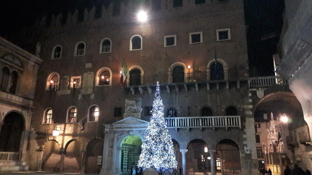 Plaza Verona_