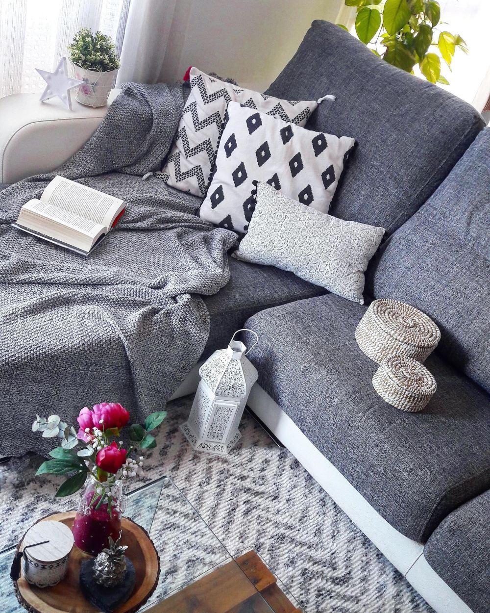 sofá boho_blanco y negro