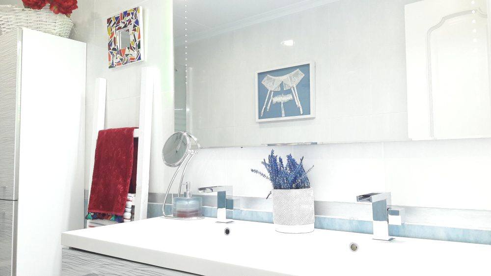 Reflejo espejo baño